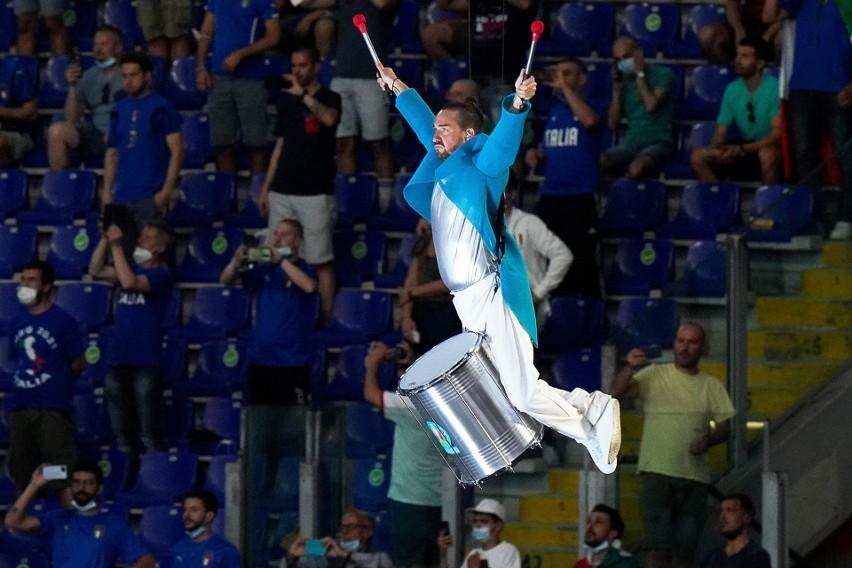 Ceremonia otwarcia Euro 2020. Bocelli, akrobaci i hymn turnieju [ZDJĘCIA]