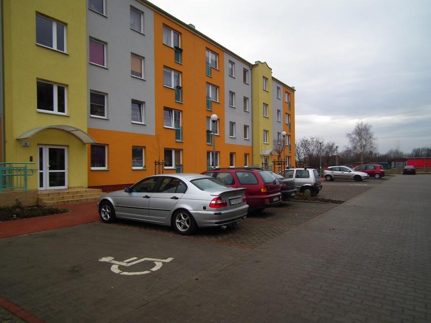Mieszkania komunalne najmowane są często przez ludzi, których stać na wynajem lokalu na wolnym rynku