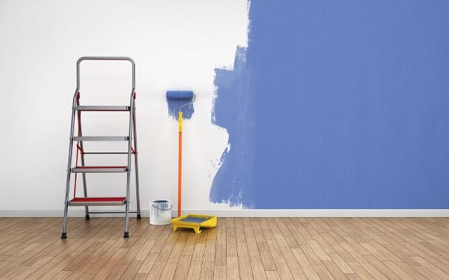 Przygotowania do malowania wnętrzZ efektów malowania wnętrz będziemy zadowoleni, jeżeli przygotujemy szczegółowy plan działania. Powinien on obejmować dobór odpowiednich odcieni farb oraz rodzajów narzędzi malarskich.