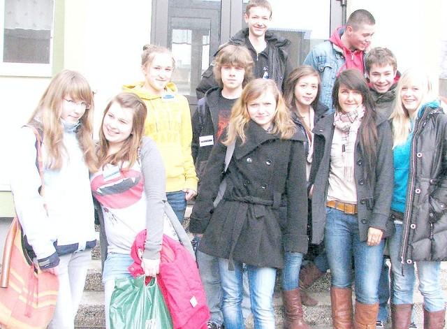 - Nasze spotkanie to zupełnie nowe doświadczenie - mówi grupa uczniów polsko-niemiecko-fińska, którzy biorą udział w Comeniusie