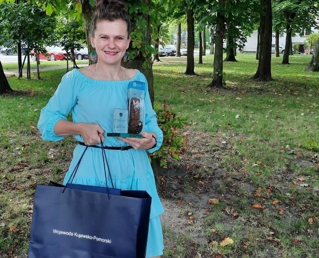 Ewelina Mytlewska z nagrodą od wojewody
