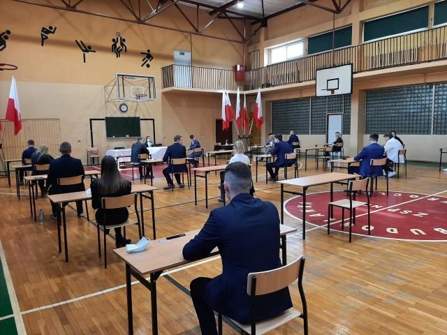 W 2021 roku do egzaminu maturalnego przystąpiło 964 tegorocznych absolwentów szkół, dla których organem prowadzącym jest Powiat Inowrocławski. Zdało 742 uczniów, co stanowi 77 procent ogólnej liczby przystępujących do egzaminu maturalnego