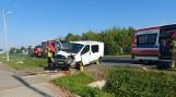 Wypadek w Gorzycach. Opel vivaro wpadł do rowu i uderzył w przepust drogowy. Ranny jest kierowca (ZDJĘCIA)