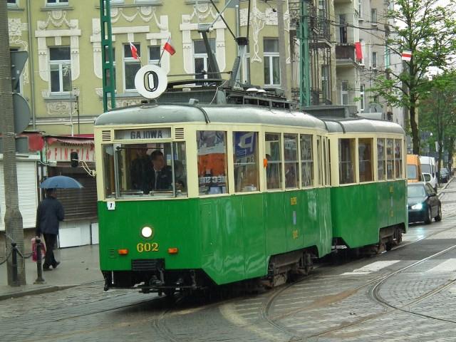 Na trasy turystyczne wyjadą zabytkowe autobusy i tramwaje z kolekcji MPK