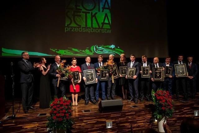 """W 2019 roku - XVI gala Podlaskiej Złotej Setki Przedsiębiorstw """"Kuriera Porannego"""" odbyła się w auli Uniwersytetu w Białymstoku"""