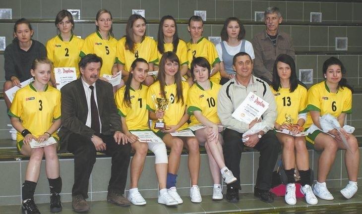 Podopieczne Przemysława Szweda musiały uznać wyższość piłkarek z Siemiatycz.