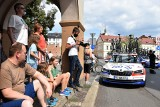 Tour de Pologne w Opolu. Przejazd kolarzy przyciągnął tłumy widzów. Mieszkańcy czekali na sportowców na trasie [ZDJĘCIA]