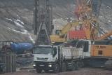 Wywóz ziemi z Fabrycznego wstrzymany, bo ciężarówki są za brudne