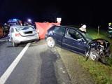 Śmiertelny wypadek na DK91 w Jeleniu 28.12.2020 Nie żyje jedna osoba, cztery są ranne. Zderzyły się trzy samochody osobowe