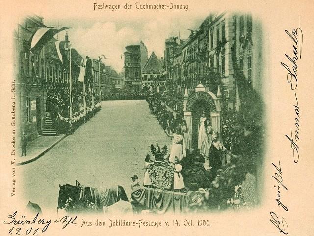 Tak wyglądał korowód 14 października 1900 roku. Wóz cechu sukienników