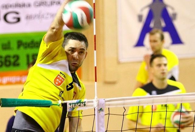 W akcji Kamil Kacprzak, przyjmujący Stali Nysa.