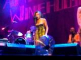 Amy Winehouse odwołuje koncerty na sześć tygodni przed planowanym występem w Bydgoszczy