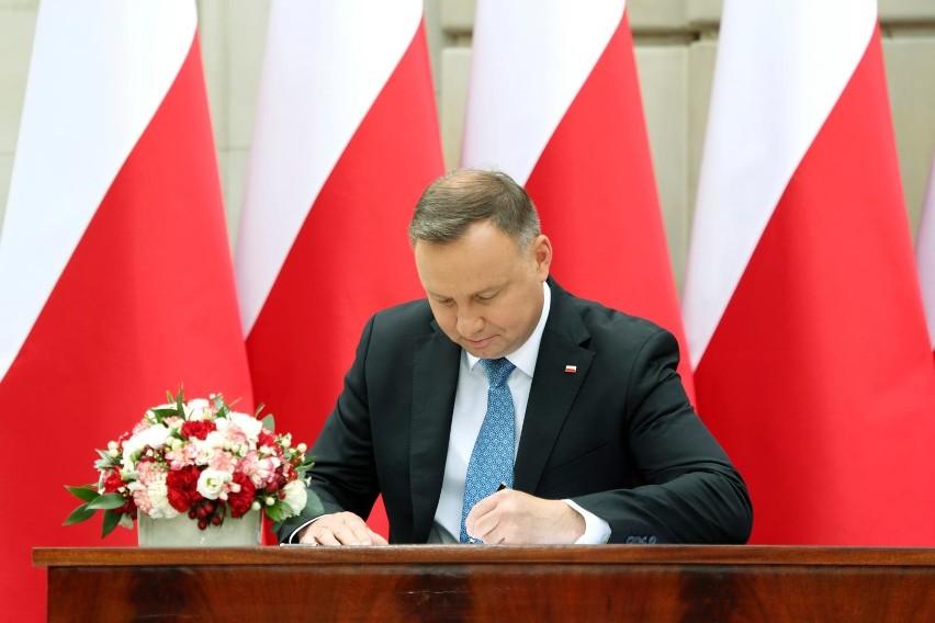 Zgoda na ratyfikację Funduszu Odbudowy z podpisem...