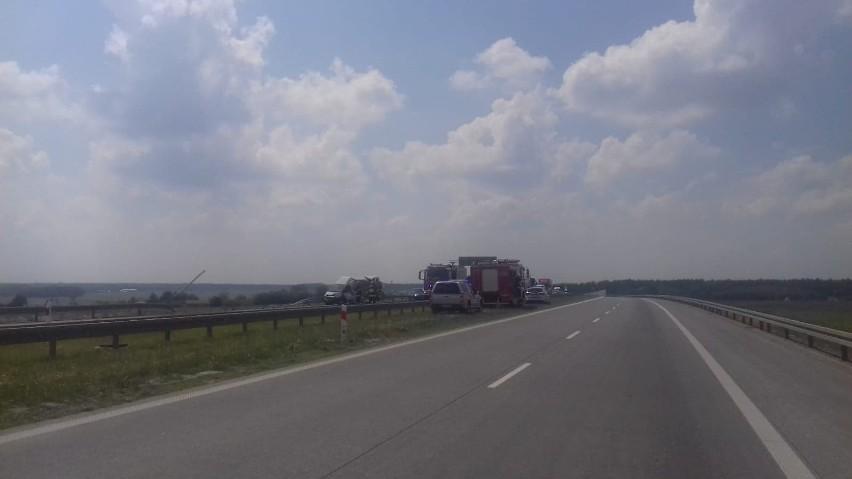 Wypadek na S - 8. Ciężko ranny 39 latek walczy o życie