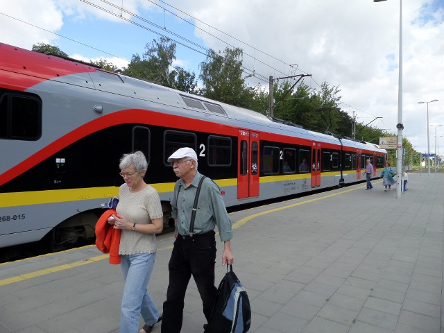 Pasażerowie ŁKA nie dość, że dostaną w pociągu jabłka, to mogą także wrócić gratis