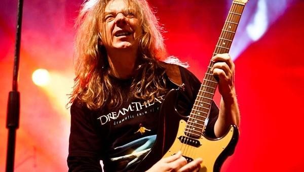 Wojciech Hoffmann (na zdjęciu) – współzałożyciel jednego z najważniejszych polskich zespołów heavy metalowych – wystąpi w duecie z promotorem flamenco, Witkiem Łukaszewskim.