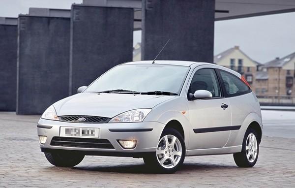 Ford Focus z 2001 roku.