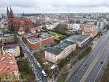 Białystok. Świąteczne paczki wielkanocne trafiły do potrzebujących. Ustawiła się długa kolejka (zdjęcia)