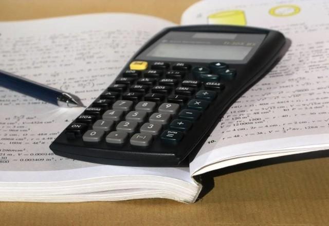 Matura 2013 - matematyka. Zmagania z tego przedmiotu na poziomie podstawowym maturzyści rozpoczną o 9.00.