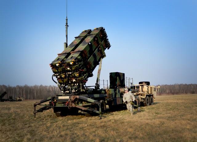 Dwie baterie systemu Patriot, w skład których wchodzi szesnaście wyrzutni, cztery radary i cztery stanowiska dowodzenia, będą kosztowały Polskę około pięciu miliardów dolarów.