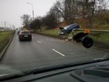 Wypadek na ul. Hetmańskiej w Poznaniu. Zderzyły się dwa samochody. Jedna osoba ranna