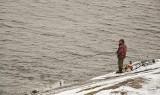 Pod Stargardem kobieta wpadła do jeziora, a mężczyzna do rzeki
