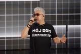 Artur Gadowski z zespołu IRA wystąpił w Opolu w kontrowersyjnej koszulce