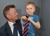 Krzysztof Łatkowski ma niezwykle liczną kolekcję krawatów.  Najcenniejsze wystawia w Europie