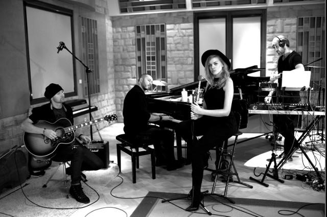 """Zespół Blue Cafe w nowym, klimatycznym wydaniu promuje swój najnowszy album """"Chillout & Chilli"""""""