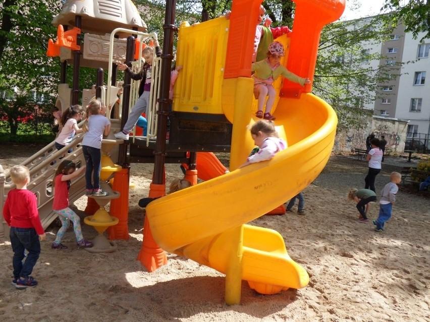 Dzieci z przedszkola Tarpno wypróbowały we wtorek nowe zabawki.
