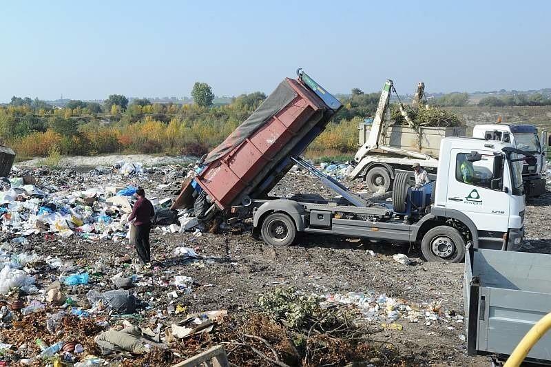 Zadaniem magazynu będzie czasowe przechowanie odpadów niebezpiecznych, które znalazły się w śmieciach.