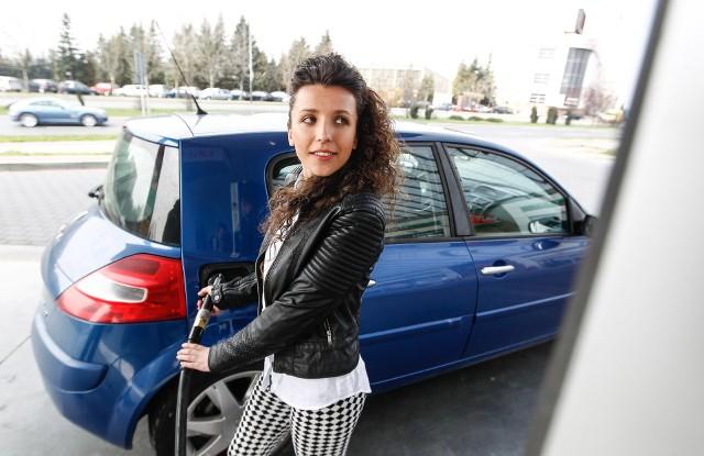 Aktualne ceny paliw w regionie (notowanie z 25.03). Podane ceny to kolejno: benzyna Pb95, diesel i gaz LPG.DĘBICAAuto-Wit, ul. Wiejska3,97 zł4,07 zł1,84 złOrlen, ul. Rzeszowska4,05 zł4,15 zł1,82 zł