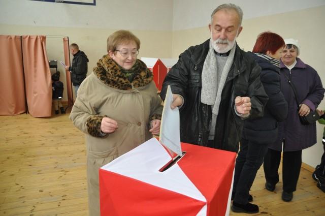 Głosowanie w Jeleniu.
