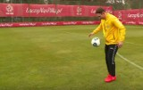 Jak w piłkę nożną gra piłkarz ręczny? Arkadiusz Moryto w Turbokozaku [WIDEO]