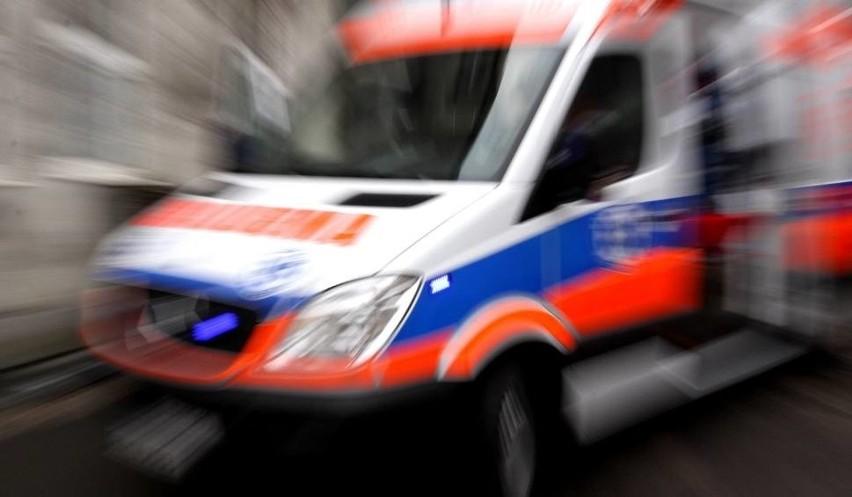 Poznań: 2,5-latka umierała na chodniku na Jeżycach. Policjanci uratowali jej życie? Według rodziców historia wyglądała trochę inaczej...