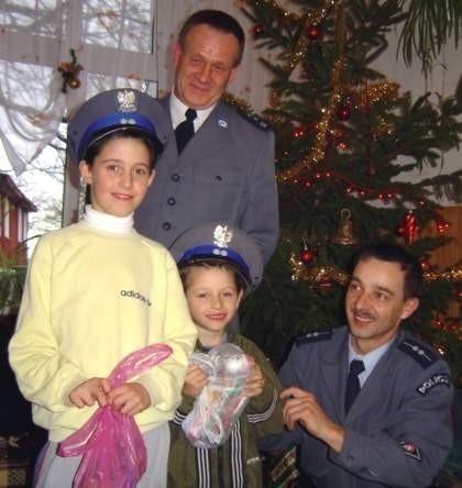 Komendant Kaczorowski (na zdjęciu stoi) dużą wagę...