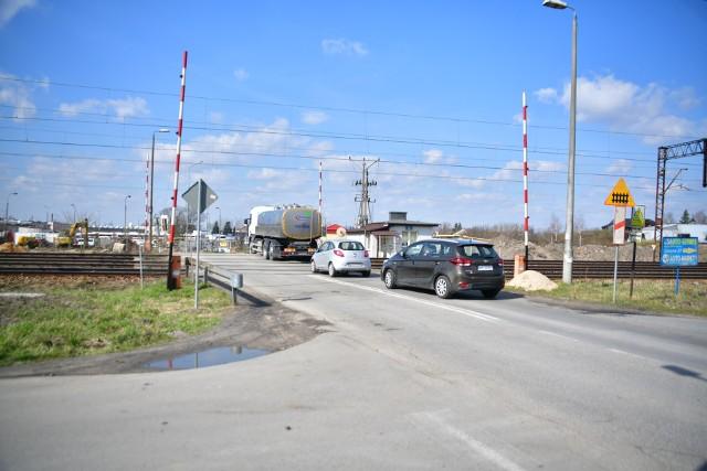 Od poniedziałku 12 kwietnia nie będzie można już przejechać przez przejazd kolejowy na ulicy Wjazdowej. Drogowcy wyznaczyli objazd.