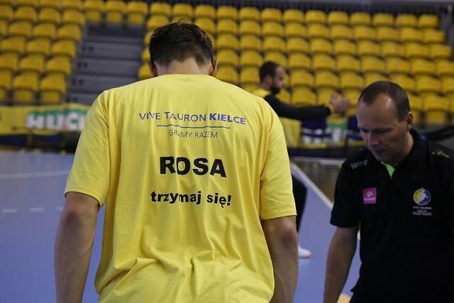 W takich koszulkach wyszli na rozgrzewkę szczypiorniści Vive. Rosiński grał w Kielcach przez 10 lat