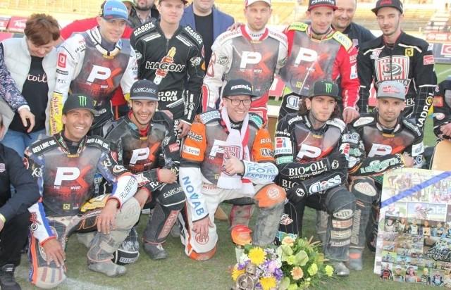 Peter Karlsson i jego koledzy z toru