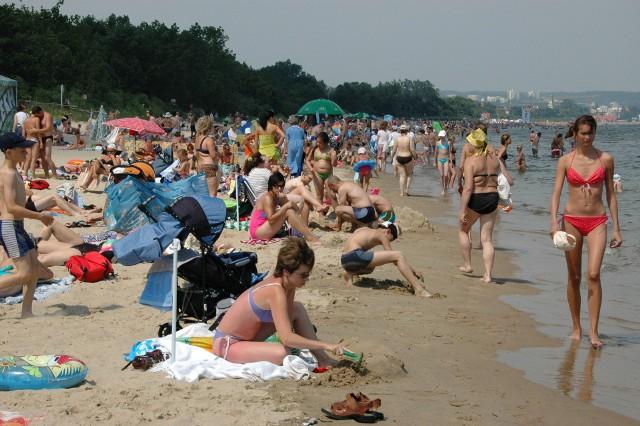 Czy nadarzy się okazja w te wakacje, by wygrzewać się na gorącym piasku południowych plaż i wykąpać w ciepłym morzu? Czy pandemia osadzi łodzian, którzy już teraz snują plany dalekich wojaży. A biura podróży kuszą licznymi ofertami.   CZYTAJ WIĘCEJ NA NASTĘPNEJ STRONIE