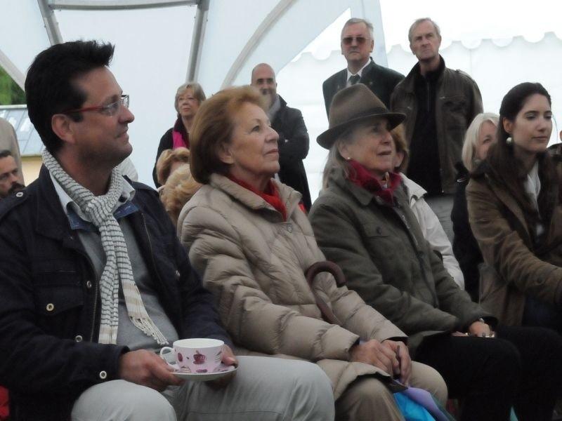 Hrabina Elke von Pückler (w środku) odwiedziła Festiwal w...