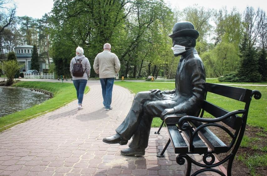 Pomnik Bolesława Prusa w Parku Zdrojowym w Nałęczowie