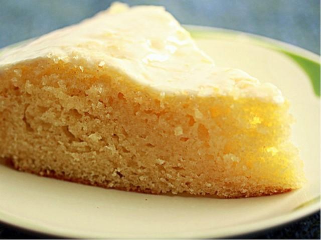 Smakowite ciasto cytrynowe.