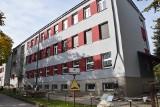 """Zespół Szkół numer 2 imienia """"Grota"""" oraz Centrum Kształcenia Praktycznego w Jędrzejowie całkowicie się zmienią. Trwa gruntowny remont"""