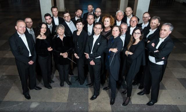 Orkiestra Kameralna Polskiego Radia Amadeus pod dyrekcją Anny Duczmal-Mróz zagra dla nas w niedzielę w teatrze