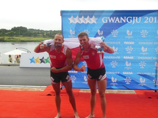 Tak cieszyli się poznańscy wioślarze tuż po zdobyciu srebrnych medali w wyścigu dwójek podwójnych