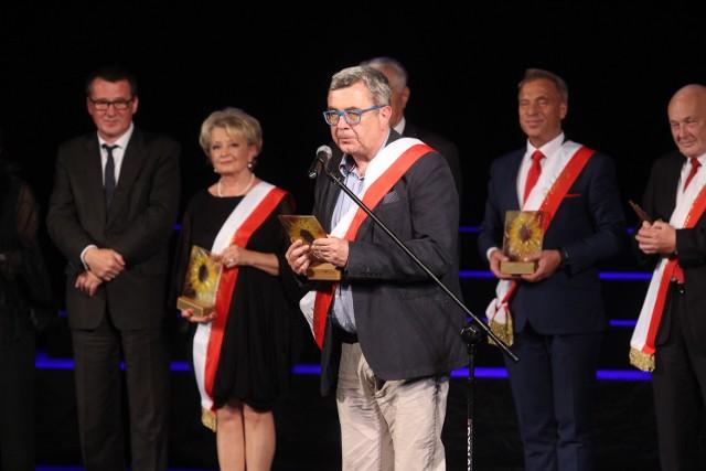 Laureaci Mistrza Mowy Polskiej wpodczas  gali w Chorzowie