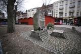 Katowice. Miasto nie zgadza się na wycinkę drzew na placu Synagogi. Właściciel działki chce tu odbudować synagogę