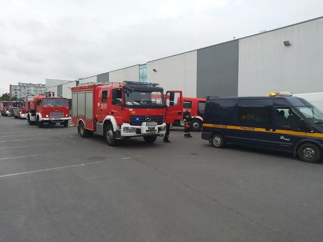 Akcja straży pożarnej w Kauflandzie przy ulicy Legnickiej we Wrocławiu.
