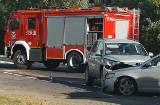 Zderzenie dwóch samochodów na drodze krajowej nr 24. Obaj kierowcy w szpitalu [ZDJĘCIA]